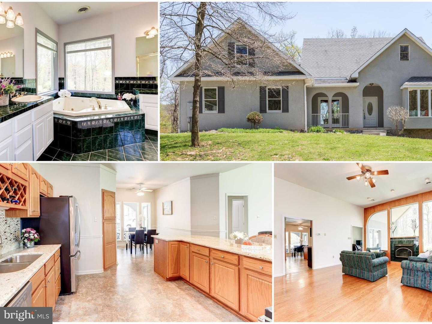 Single Family for Sale at 12019 Cove Rd Clear Spring, Maryland 21722 United States