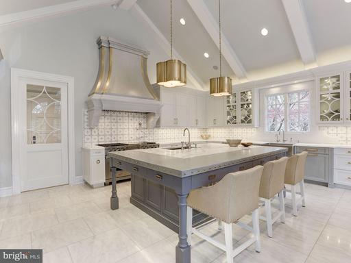 Property for sale at 8401 Brookewood Ct, Mclean,  VA 22102