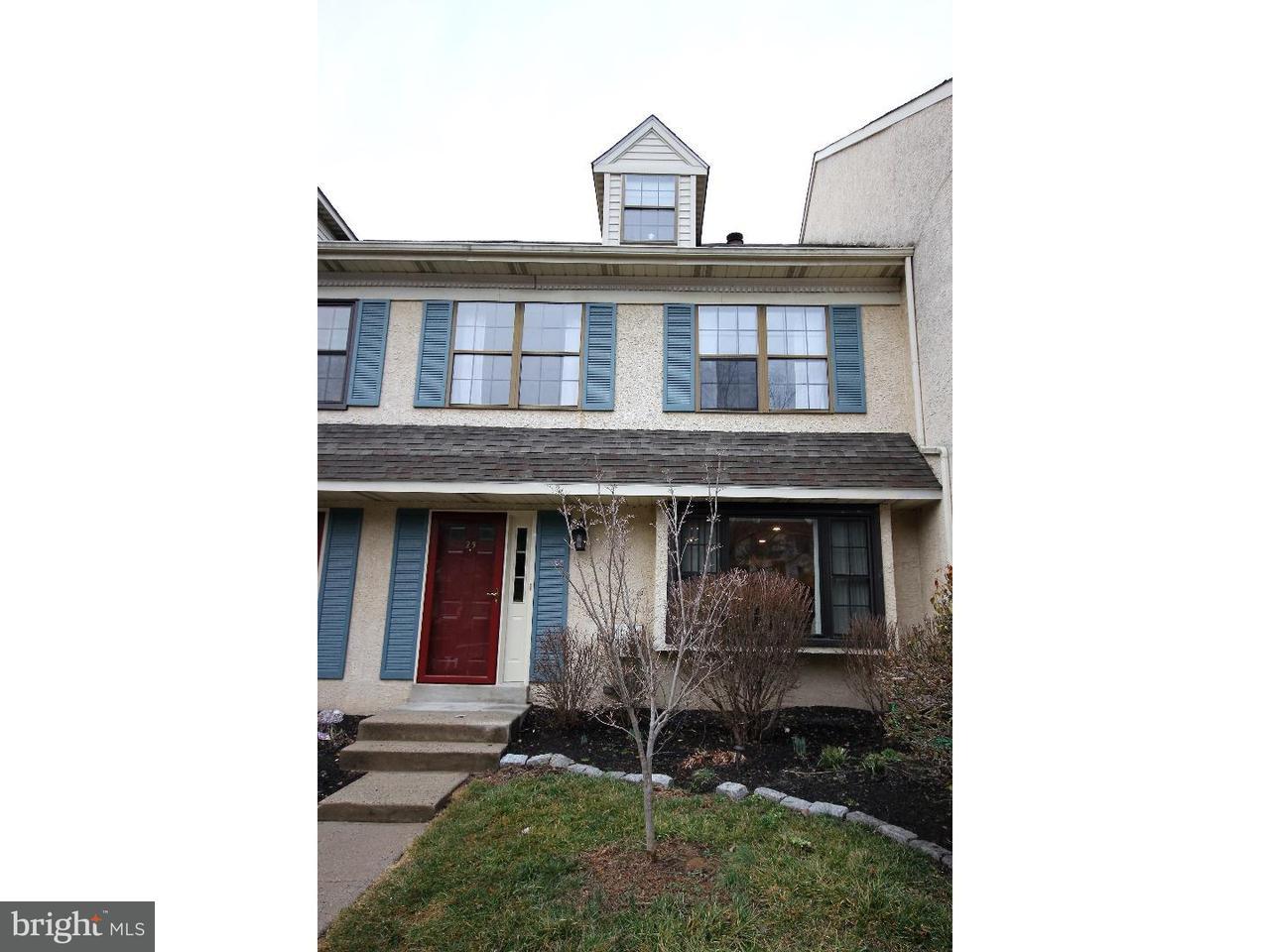 联栋屋 为 销售 在 25 ALGONQUIN Court Chesterbrook, 宾夕法尼亚州 19087 美国