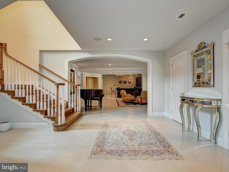 Additional photo for property listing at 15325 Masonwood Dr  Gaithersburg, Maryland 20878 United States
