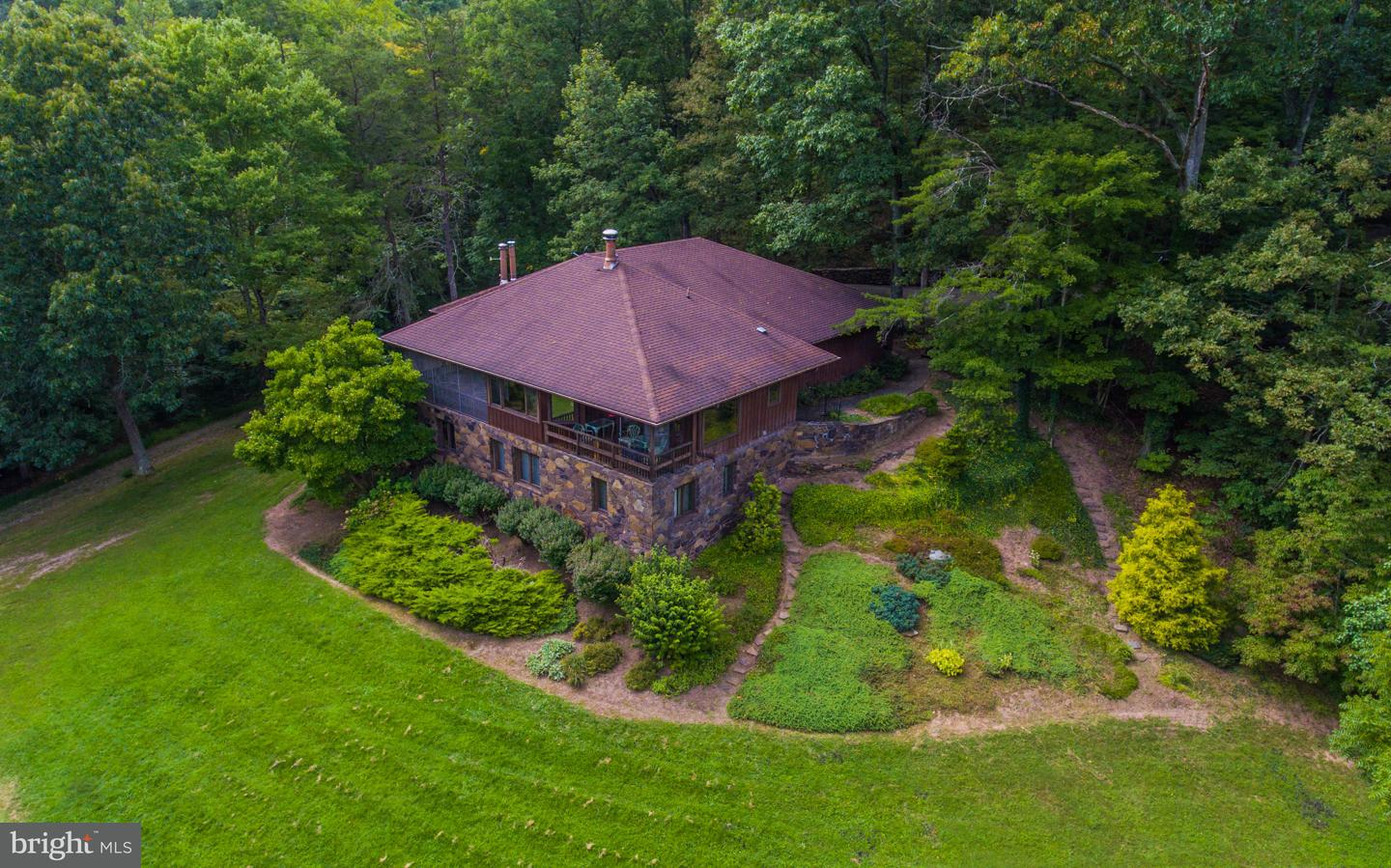 Single Family for Sale at 1099 Woodmont Road Great Cacapon, West Virginia 25422 United States