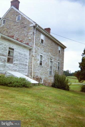 Additional photo for property listing at 4908 Shepherdstown Pike  Shenandoah Junction, West Virginia 25442 United States