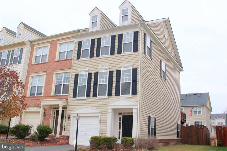 Other Residential for Rent at 43260 Tumbletree Ter Broadlands, Virginia 20148 United States