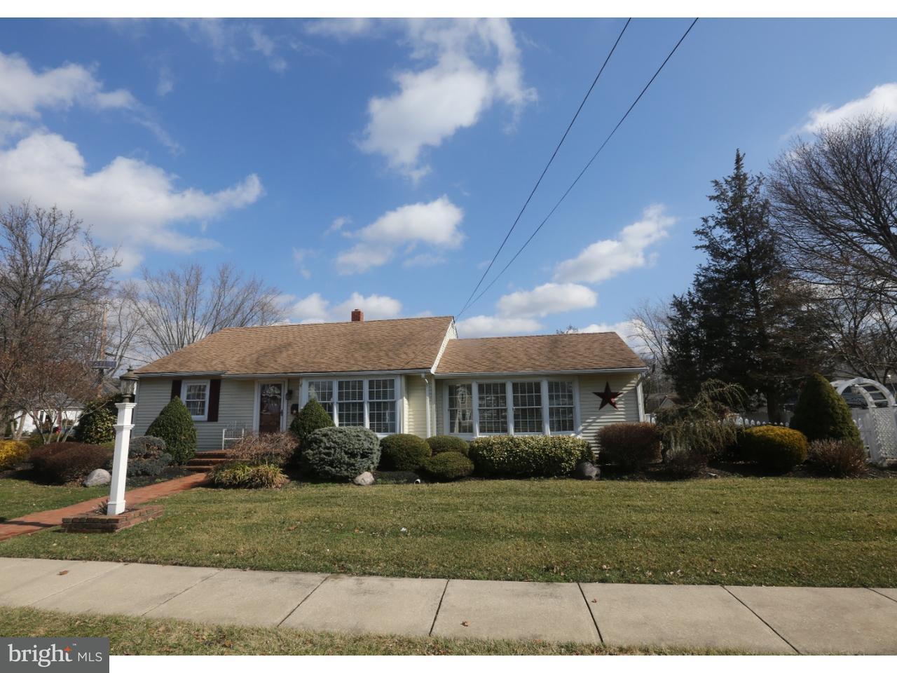 Частный односемейный дом для того Продажа на 15 N BELLMAWR Avenue Bellmawr, Нью-Джерси 08031 Соединенные Штаты