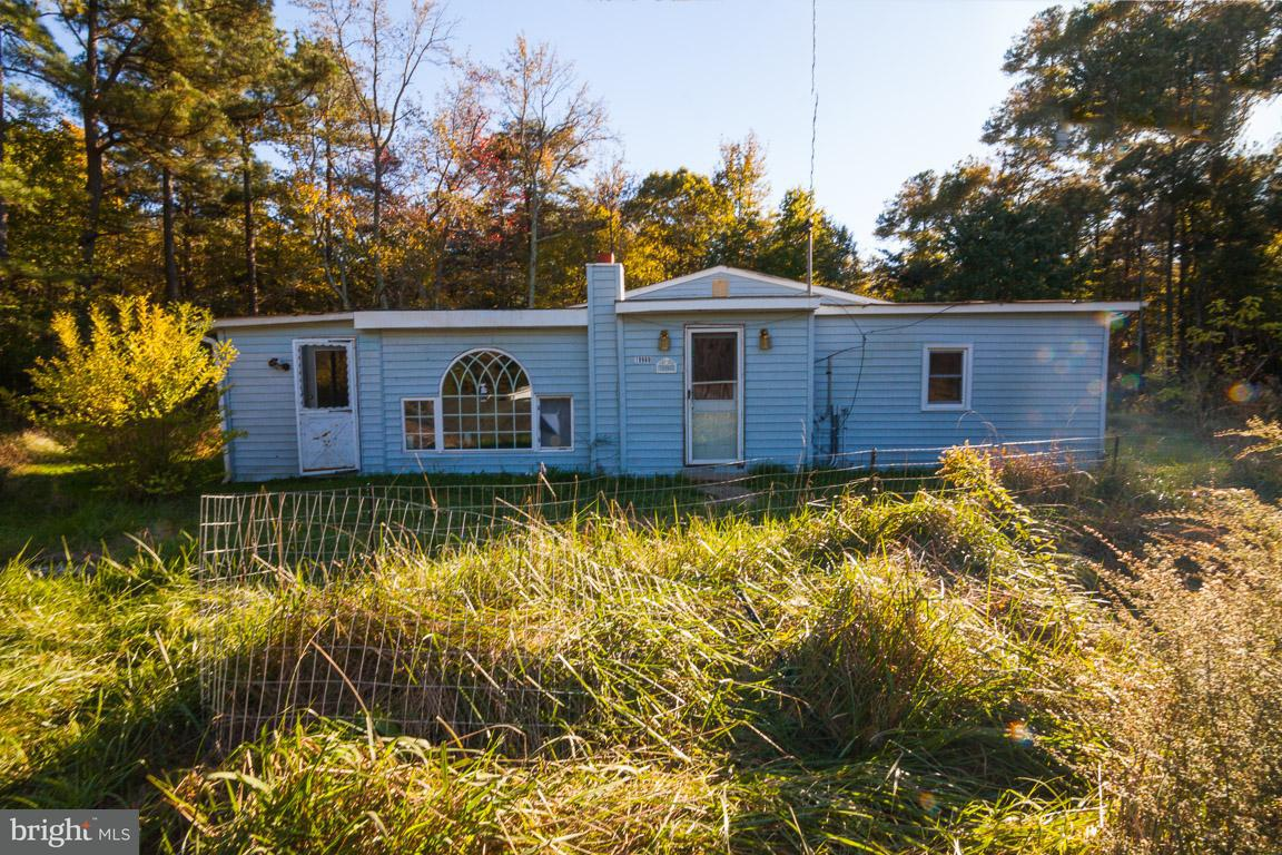 Single Family for Sale at 19980 Courtneyville Rd Park Hall, Maryland 20667 United States