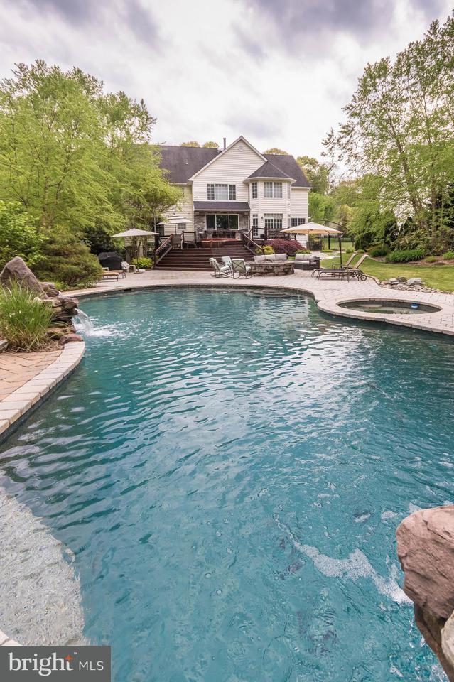 Maison unifamiliale pour l Vente à 940 Hilltop Road 940 Hilltop Road Arnold, Maryland 21012 États-Unis