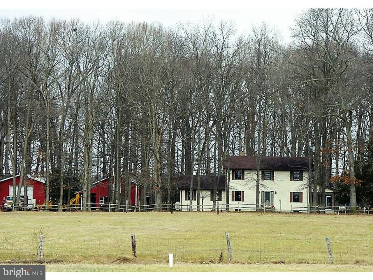 Vivienda unifamiliar por un Venta en 22947 MILTON ELLENDALE HWY Milton, Delaware 19968 Estados Unidos