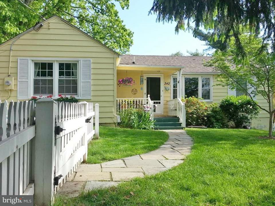 Single Family Home for Sale at 342 Ridge Road 342 Ridge Road Washington Grove, Maryland 20880 United States