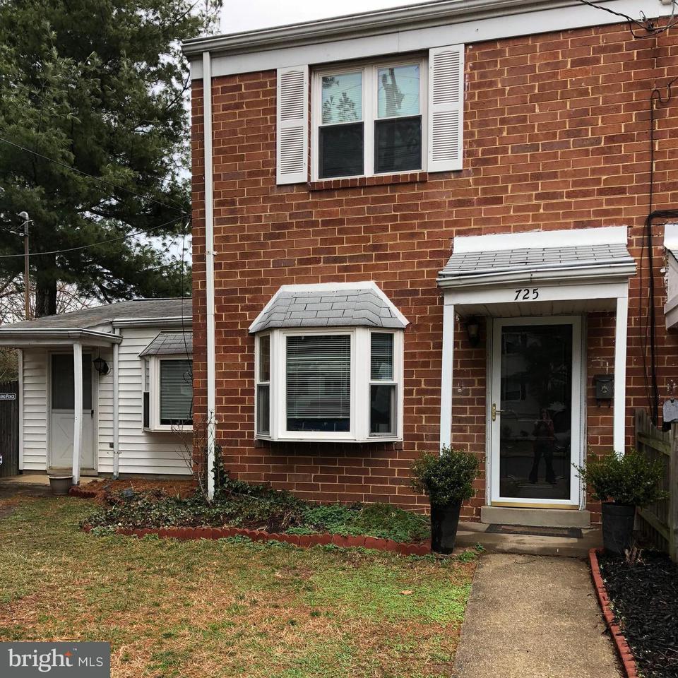 Doppelhaus für Verkauf beim 725 Four Mile Road 725 Four Mile Road Alexandria, Virginia 22305 Vereinigte Staaten