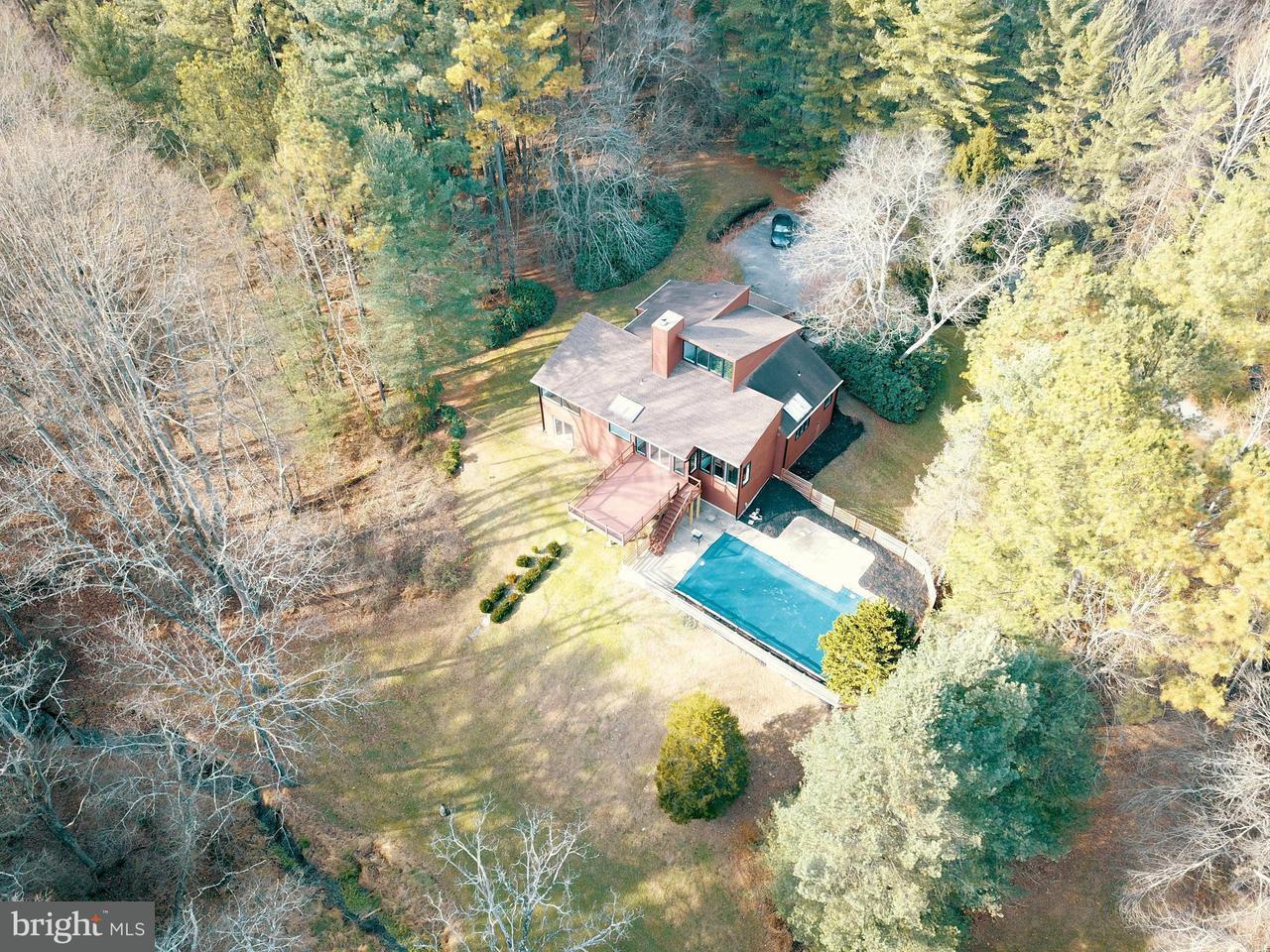 独户住宅 为 销售 在 16304 Falls Road 16304 Falls Road Upperco, 马里兰州 21155 美国