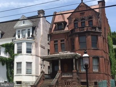 Single Family for Sale at 305 Decatur St Cumberland, Maryland 21502 United States