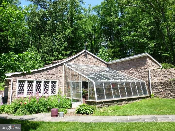 Additional photo for property listing at 100 LOOKING GLASS Lane  Mohnton, Pennsylvanie 19607 États-Unis