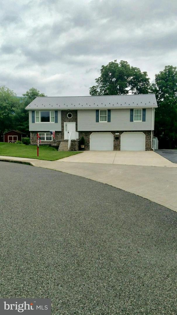 Single Family for Sale at 520 N 5th St Mc Connellsburg, Pennsylvania 17233 United States