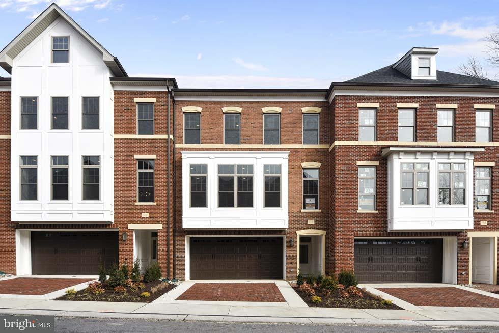 Townhouse for Sale at 126 Bytham Ridge Lane 126 Bytham Ridge Lane Potomac, Maryland 20854 United States