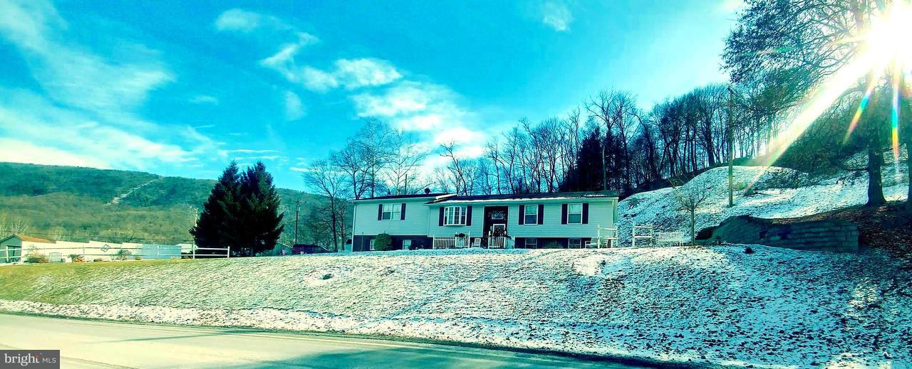 Single Family for Sale at 12340 Cash Valley Rd Corriganville, Maryland 21524 United States