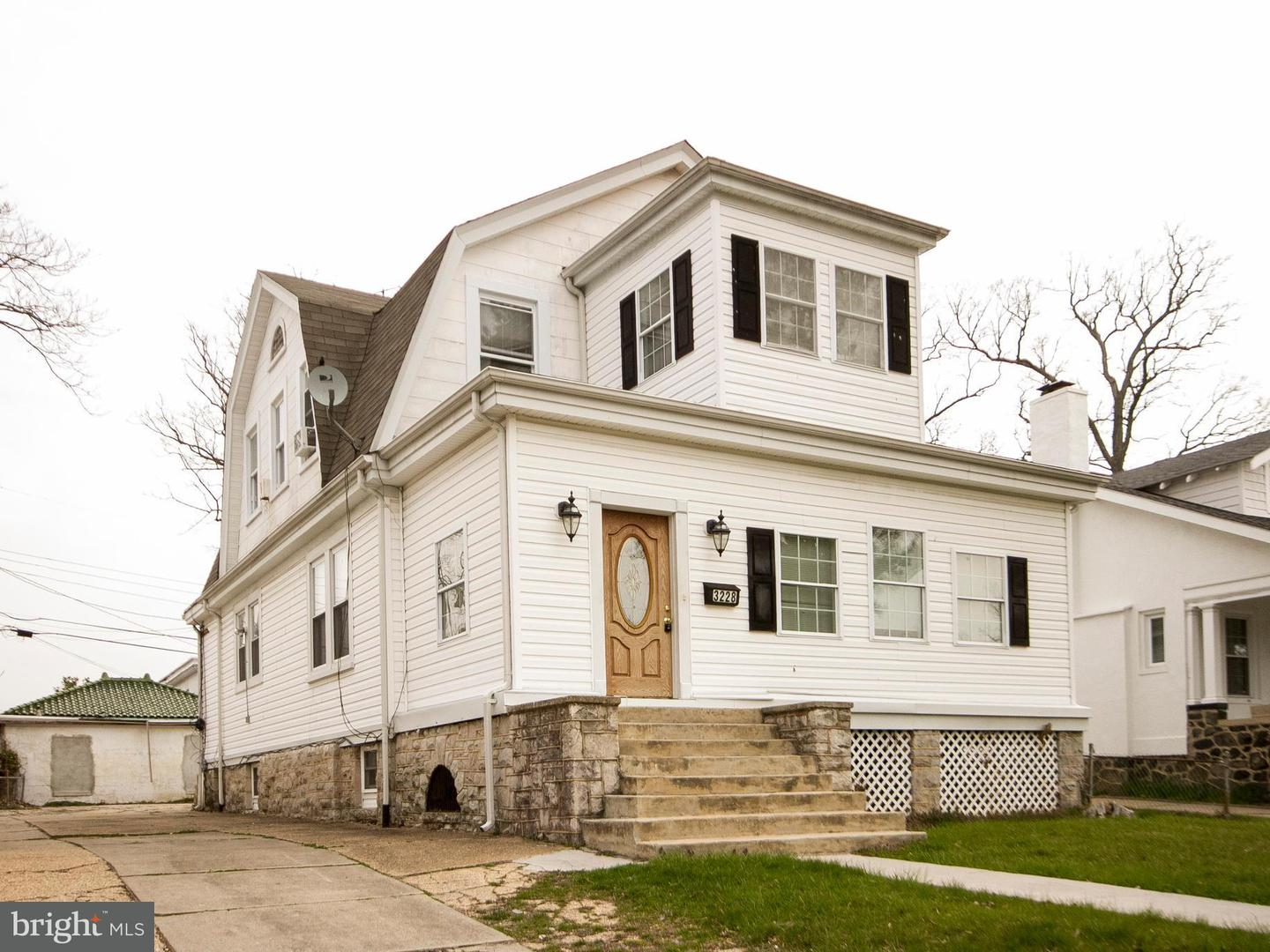 Single Family for Sale at 3228 Carlisle Ave Baltimore, Maryland 21216 United States