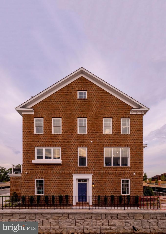 Casa unifamiliar adosada (Townhouse) por un Venta en 603 Totten Mews Ne 603 Totten Mews Ne Washington, Distrito De Columbia 20017 Estados Unidos