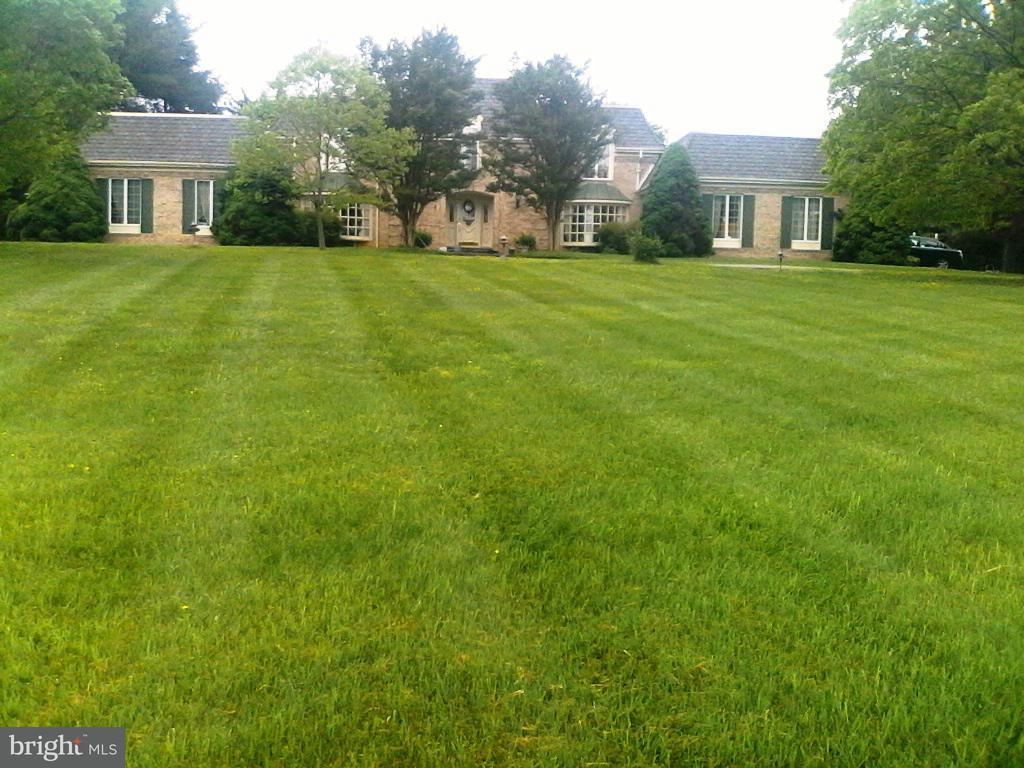Single Family for Sale at 1101 Parrs Ridge Dr Spencerville, Maryland 20868 United States