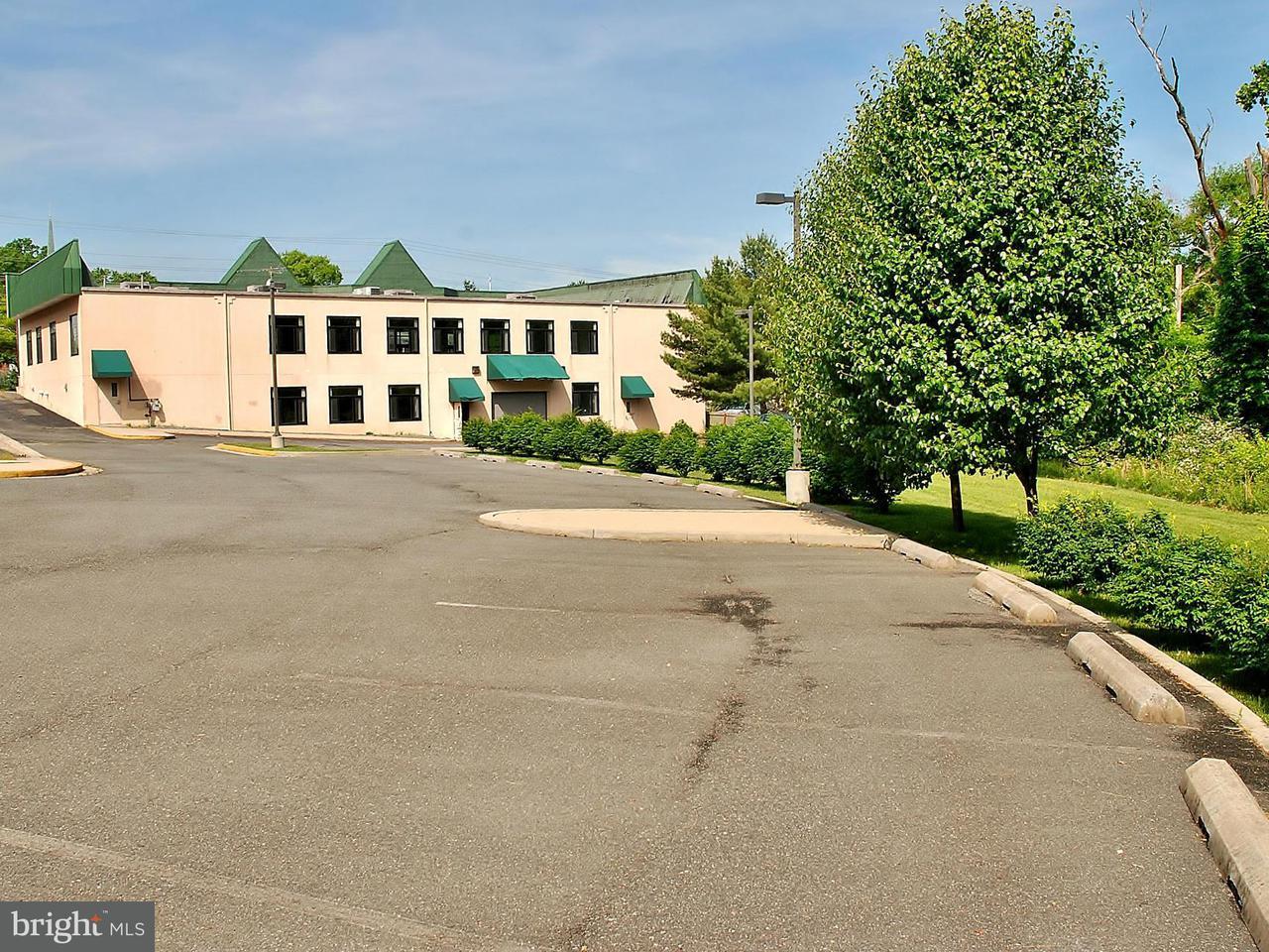 Additional photo for property listing at 611 S Frederick Avenue 611 S Frederick Avenue Gaithersburg, Maryland 20877 Stati Uniti
