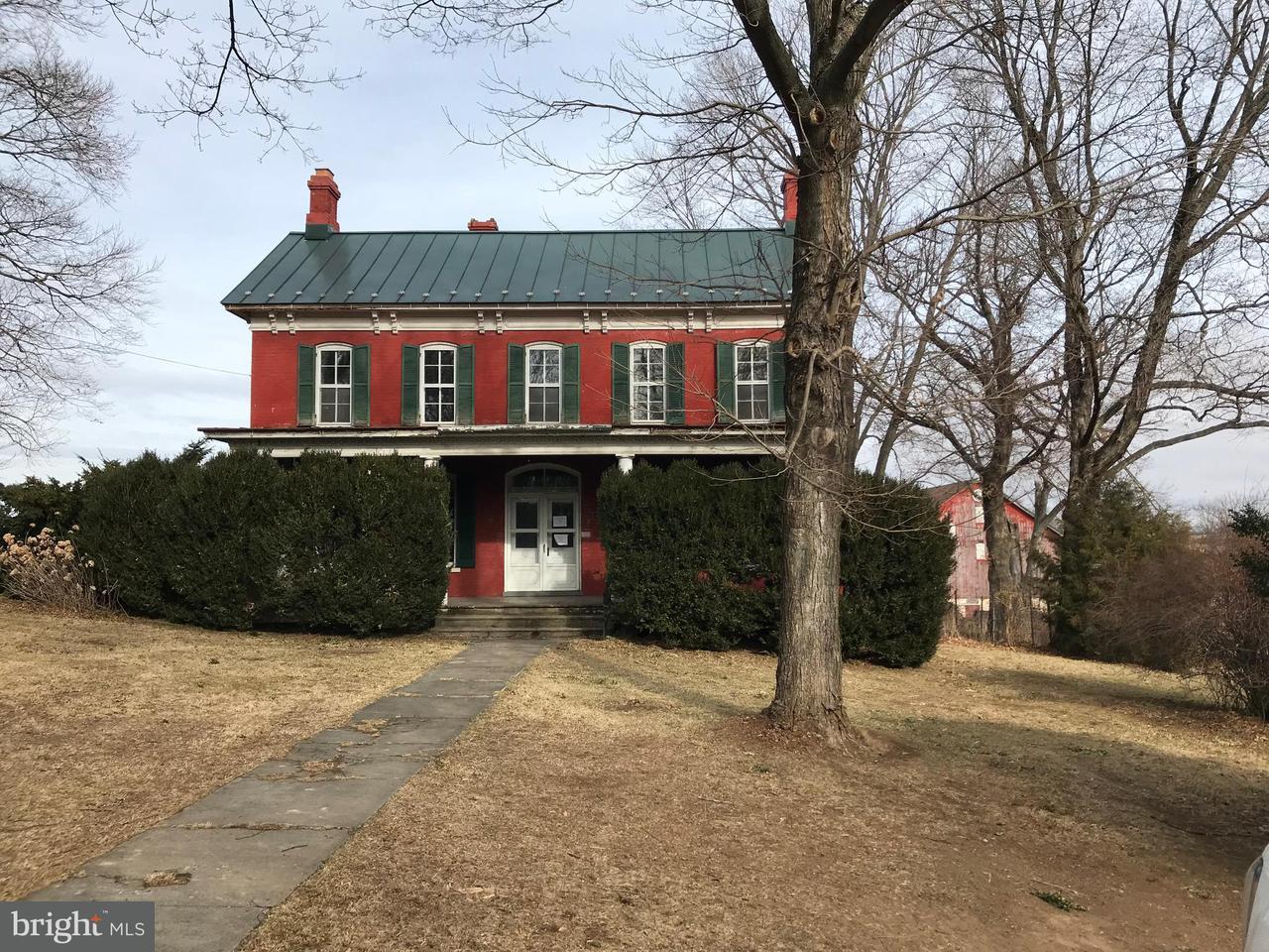 独户住宅 为 销售 在 5388 Shepherdstown Pike 5388 Shepherdstown Pike Shenandoah Junction, 西弗吉尼亚州 25442 美国
