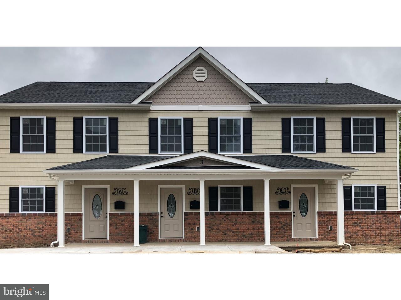 Maison unifamiliale pour l à louer à 3 CHURCH ST #C Hightstown, New Jersey 08520 États-UnisDans/Autour: Hightstown Borough