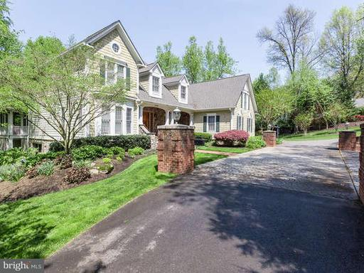 Property for sale at 3120 Beechwood Ln, Falls Church,  VA 22042