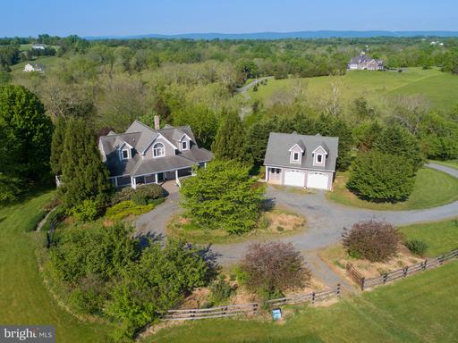Property for sale at 12700 Taylors Valley Ln, Lovettsville,  VA 20180