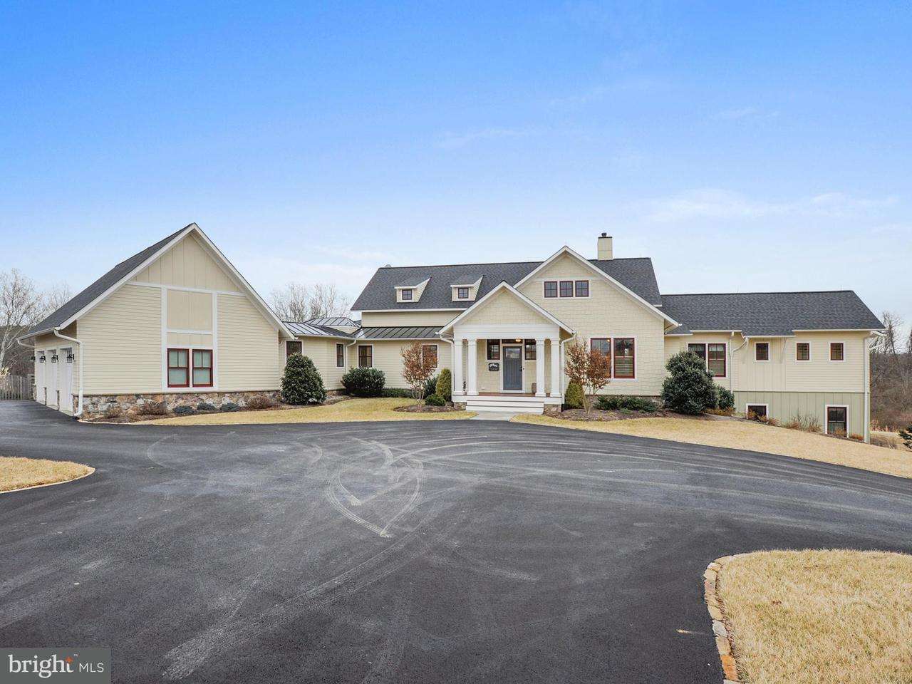Single Family Home for Sale at 39556 Charles Town Pike 39556 Charles Town Pike Hamilton, Virginia 20158 United States