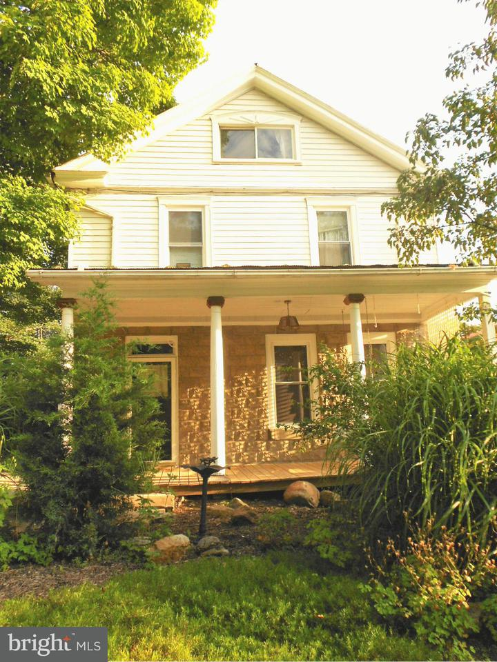 Single Family for Sale at 62 Johnsons Mill Berkeley Springs, West Virginia 25411 United States