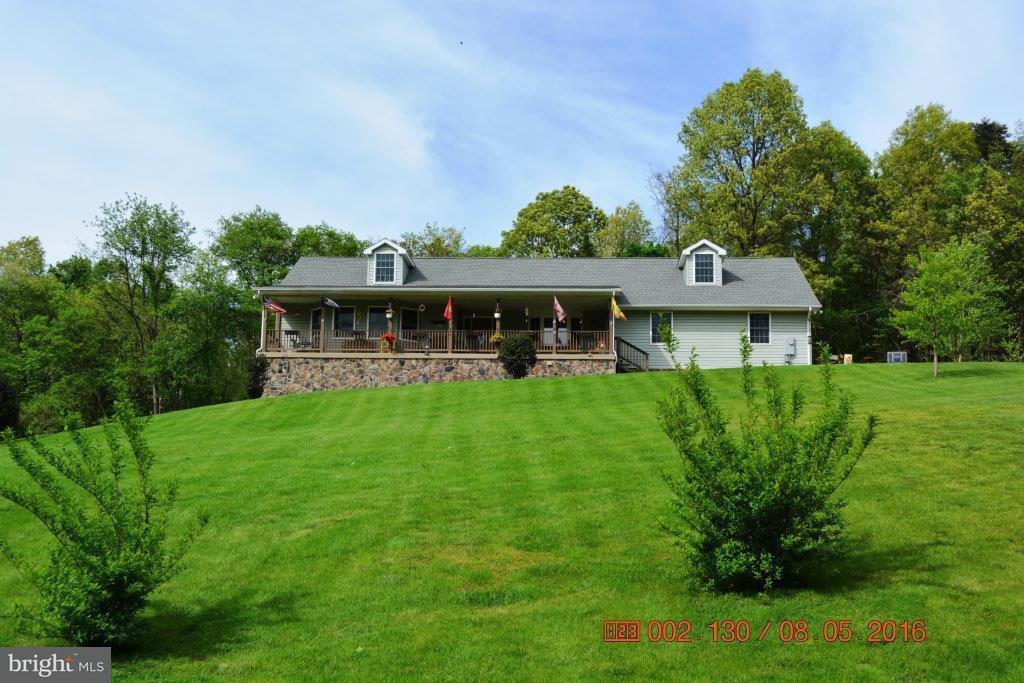Single Family for Sale at 18426 Mount Lock Hill Rd Sharpsburg, Maryland 21782 United States