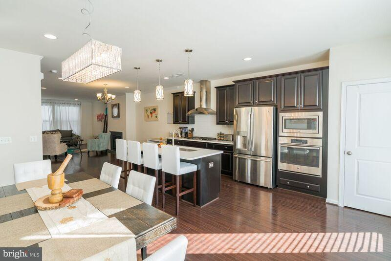 Townhouse for Sale at 23399 Epperson Sq 23399 Epperson Sq Ashburn, Virginia 20148 United States