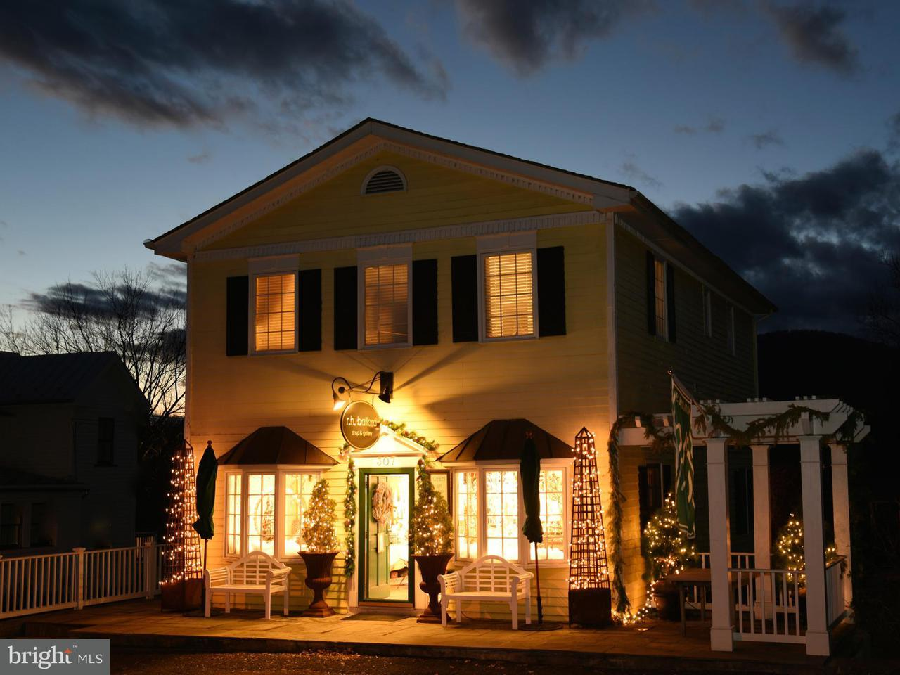 Single Family for Sale at 307 Main St Washington, Virginia 22747 United States