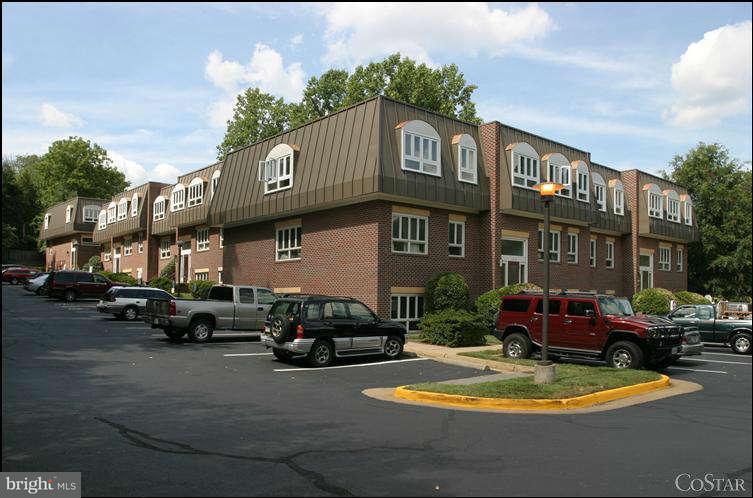 Photo of home for sale at 10621 Jones Street, Fairfax VA