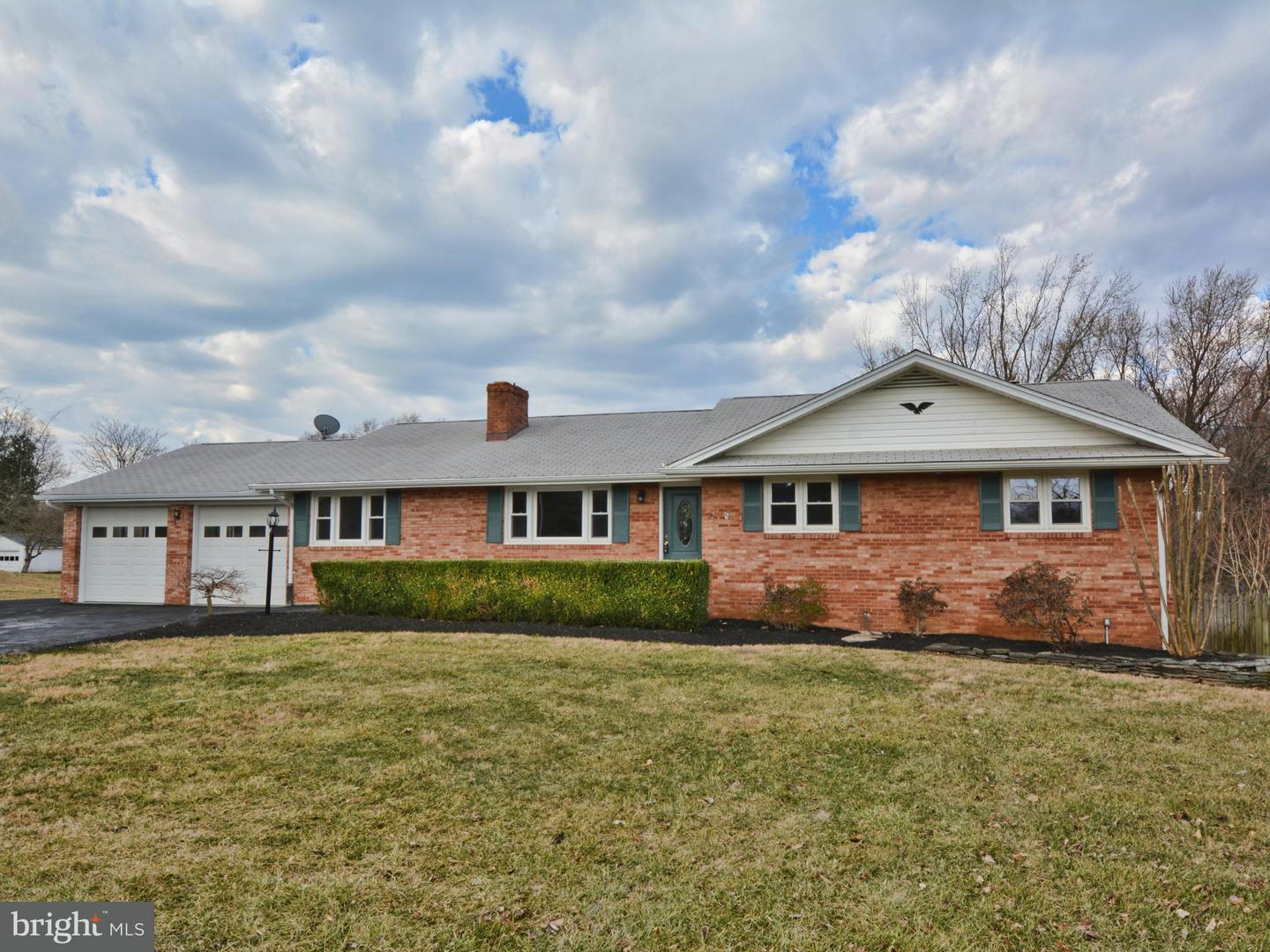 Single Family for Sale at 4410 Sanders Ln Catharpin, Virginia 20143 United States