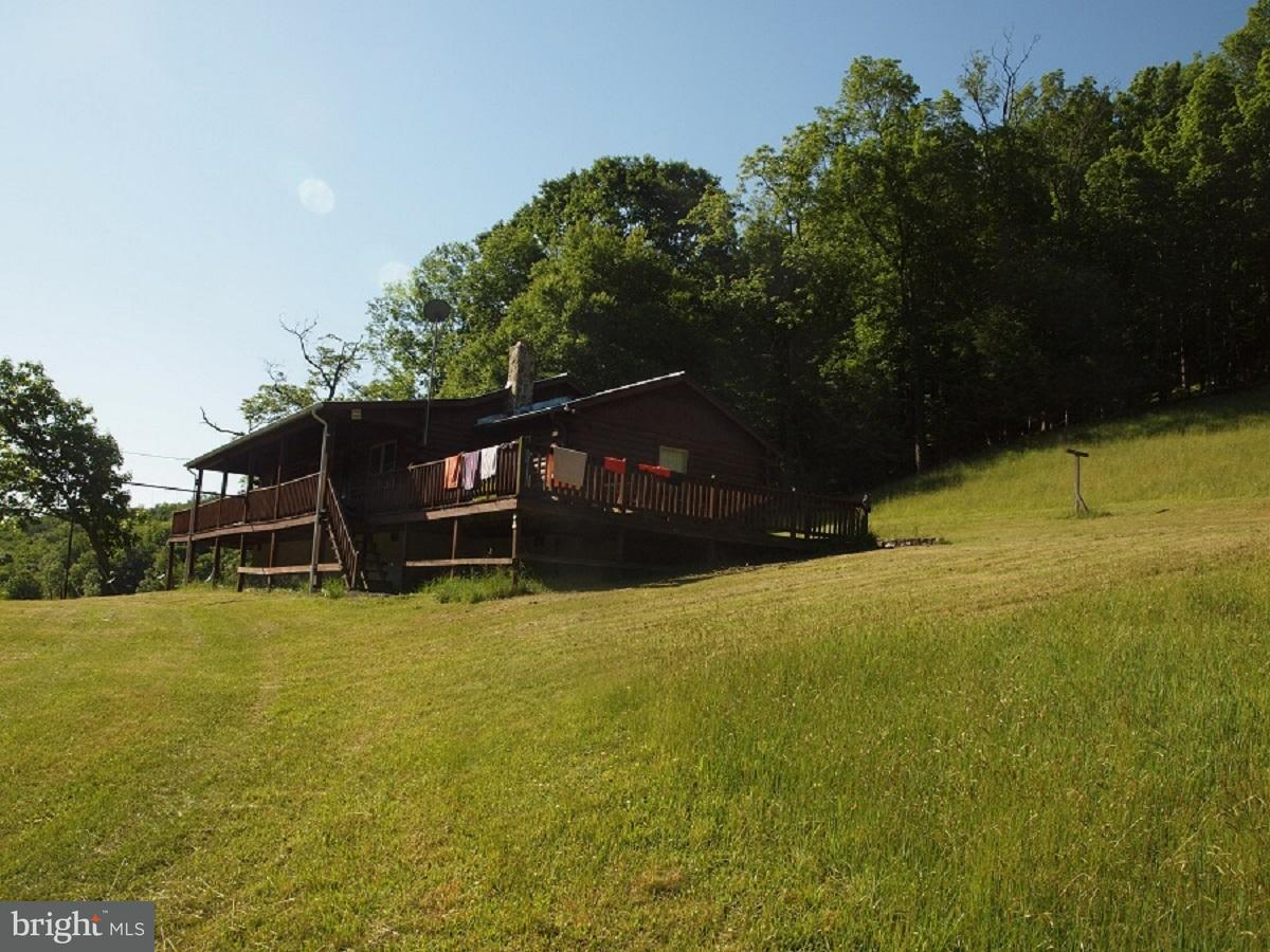 Single Family for Sale at 633 Long Branch Drive Sugar Grove, West Virginia 26815 United States