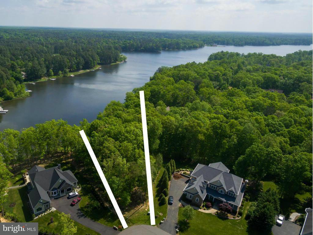 Terrain pour l Vente à 11402 Bluffs Ridge 11402 Bluffs Ridge Spotsylvania, Virginia 22551 États-Unis
