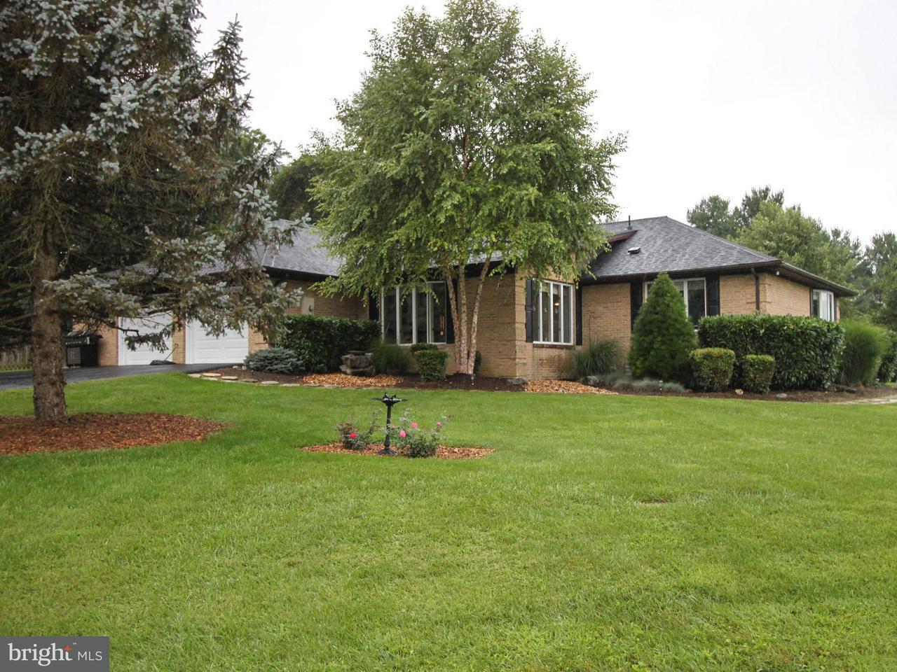 独户住宅 为 销售 在 64 Uvilla Ests Drive 64 Uvilla Ests Drive Shenandoah Junction, 西弗吉尼亚州 25442 美国