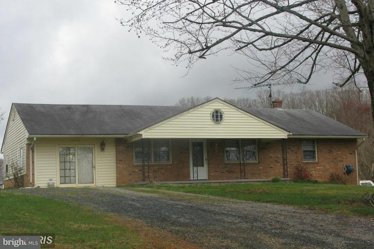 Single Family for Sale at 25093 Constitution Hwy Rhoadesville, Virginia 22542 United States