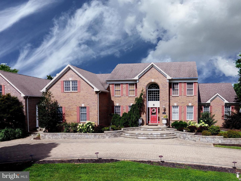Single Family Home for Sale at 5 HIDDEN HOLLOW Drive Hamilton Township, New Jersey 08620 United StatesMunicipality: Hamilton Township