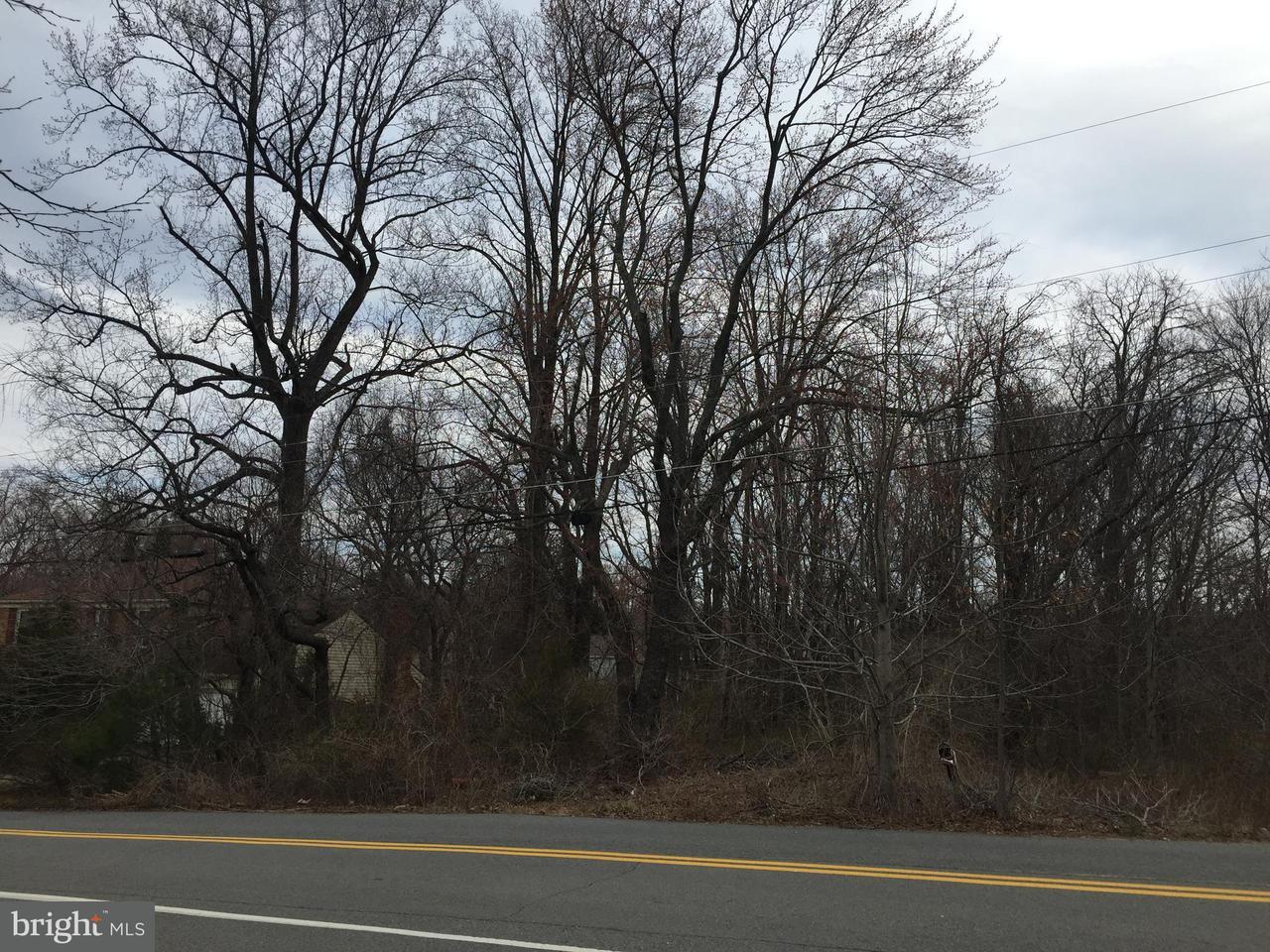 Terreno por un Venta en 2911 Cedarest Road 2911 Cedarest Road Fairfax, Virginia 22031 Estados Unidos