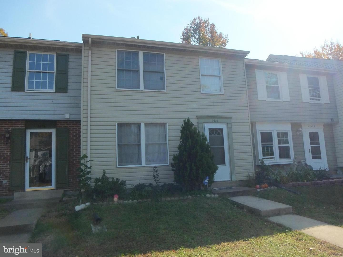 Other Residential for Rent at 3627 Wharf Ln Triangle, Virginia 22172 United States