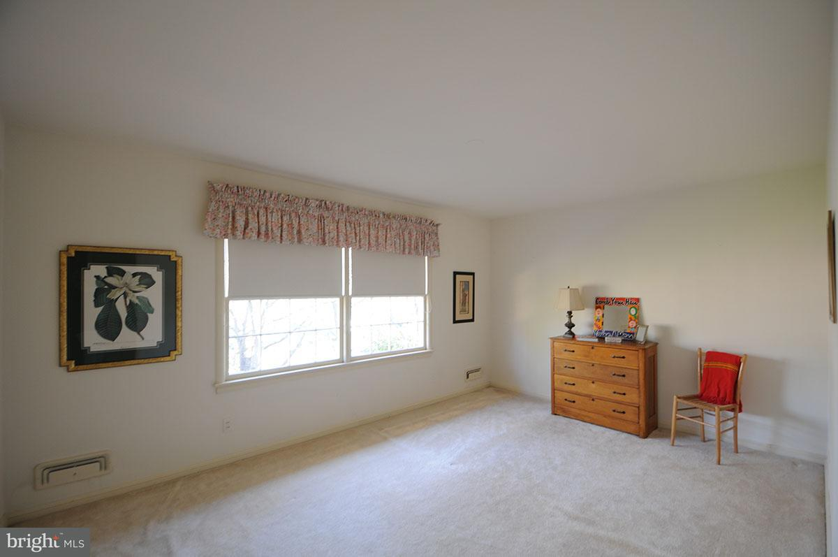 Additional photo for property listing at 7407 Gatewood Court 7407 Gatewood Court Alexandria, 버지니아 22307 미국