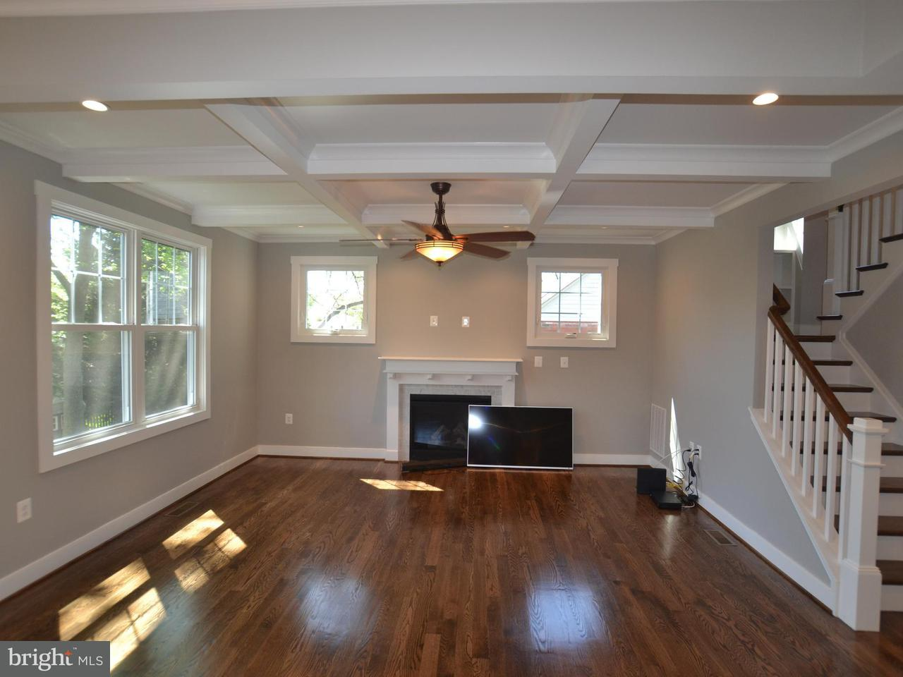 Additional photo for property listing at 206 West Marshall Street 206 West Marshall Street Falls Church, Virginia 22046 Estados Unidos