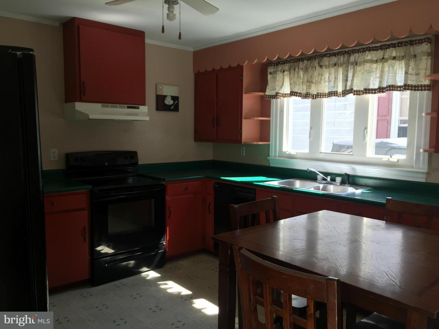 Additional photo for property listing at 5878 Henry Ave  Rock Hall, Maryland 21661 United States
