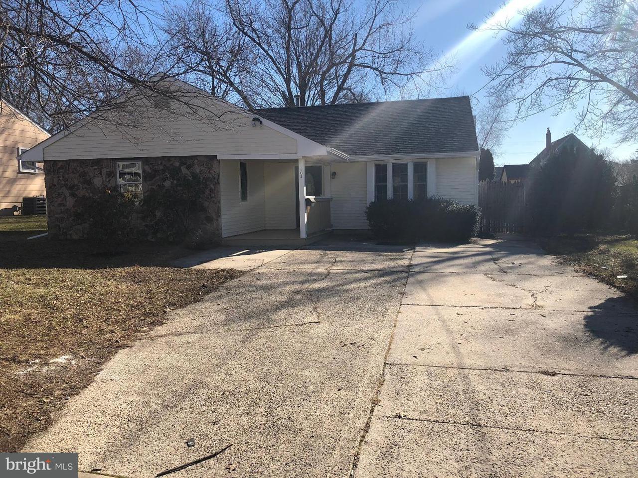 Частный односемейный дом для того Продажа на 104 COOPER Avenue Stratford, Нью-Джерси 08084 Соединенные Штаты