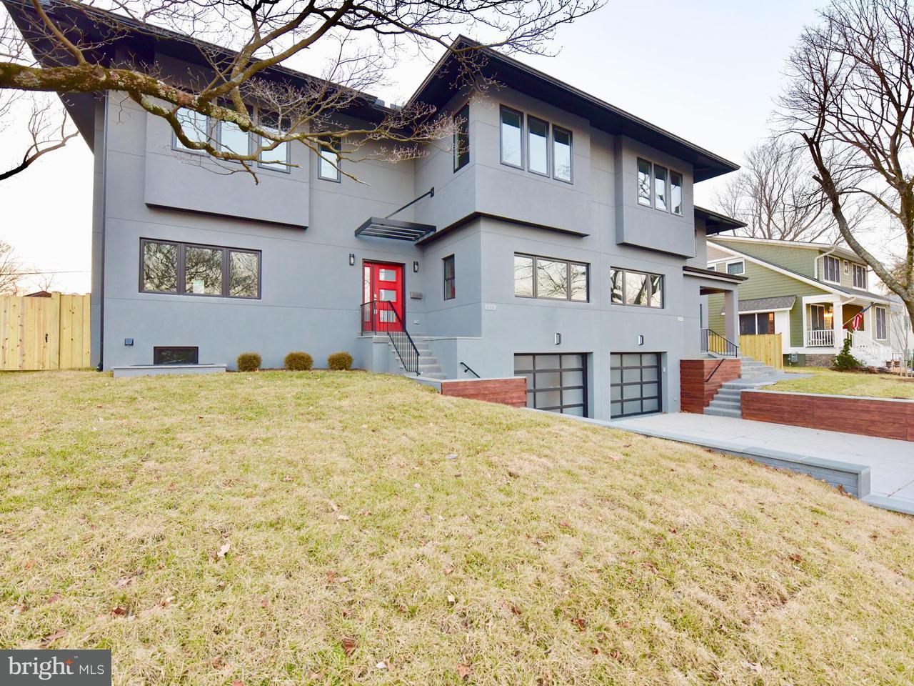 獨棟家庭住宅 為 出售 在 213 W Greenway Blvd 213 W Greenway Blvd Falls Church, 弗吉尼亞州 22046 美國