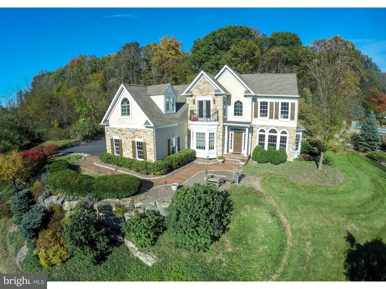 独户住宅 为 销售 在 8851 CLEARWATER Circle Fogelsville, 宾夕法尼亚州 18051 美国