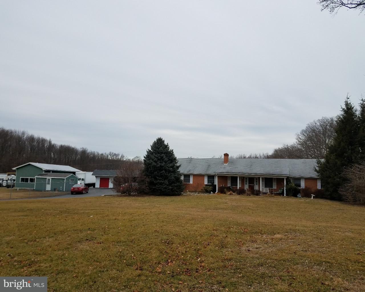Enfamiljshus för Försäljning vid 2787 PULASKI HWY Newark, Delaware 19702 Usa