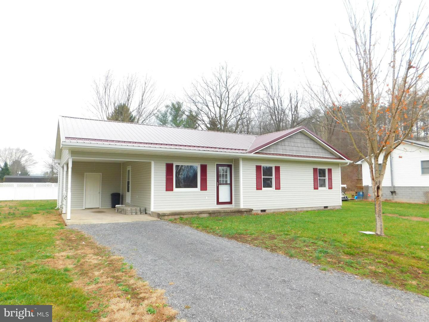 Single Family for Sale at 81 Sioux Ln New Creek, West Virginia 26743 United States