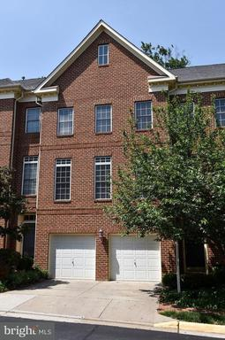 Property for sale at 47784 Scotsborough Sq, Sterling,  VA 20165